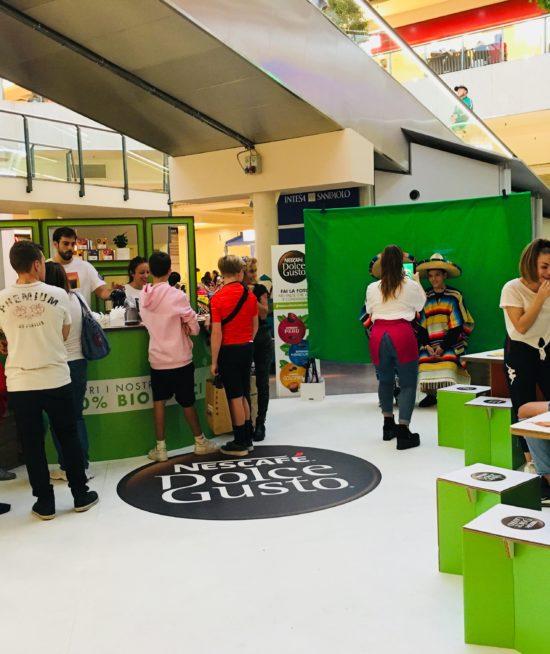 Nestlé DolceGusto – AR App – Foto personalizzate in Realtà Aumentata su green screen chromakey